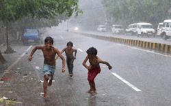 রোববার থেকে দেশে বৃষ্টিপাত বাড়বে