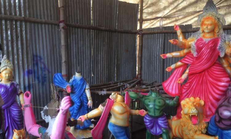 ময়মনসিংহে মুক্তাগাছা উপজেলায় ঈশ্বরগ্রামে প্রতিমা ভাংচুর
