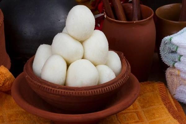 পূজায় বাড়িতেই তৈরি করুন মজাদার মিষ্টি