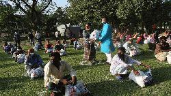 গফরগাঁওয়ে এমপি বাবেলের খাদ্য সহায়তা