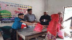 গ্রামে গ্রামে ঈদ উপহার দিয়েছে 'টিএসডিএ'