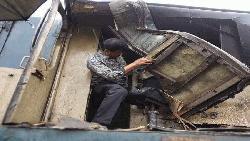 লালমনিরহাটে ট্রেন-ট্রাকের সংঘর্ষ, চালকসহ আহত ৮