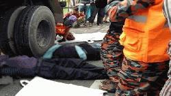 লালমনিরহাটে ট্রাক চাপায় দুই পুলিশ সদস্য নিহত