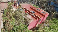 কেরানীগঞ্জে তিনতলা ভবন ধসে আহত ৭, উদ্ধার কাজ অব্যাহত