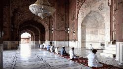 মসজিদে ২০ জনের বেশি নয় : ধর্ম মন্ত্রণালয়