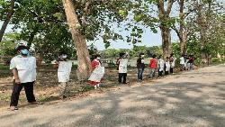 বাঁশখালীতে শ্রমিক হত্যার প্রতিবাদে জাবি শিক্ষার্থীদের মানববন্ধন
