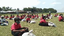 করোনায় ১২৬৪ দরিদ্র পরিবারকে খাদ্য সহায়তা 'আগামী'র