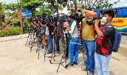 ঢাকা বোট ক্লাবে প্রবেশ করতে দেয়া হচ্ছে না সাংবাদিকদের