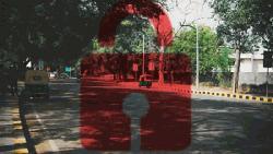 ময়মনসিংহে লকডাউনেও চলছে গণপরিবহন