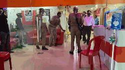 ভারতে সরকার সমালোচক দুই সংবাদমাধ্যমের অফিসে অভিযান