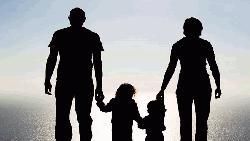 বিশ্বের কোথাও স্বামীর সমান আয় নেই স্ত্রীর
